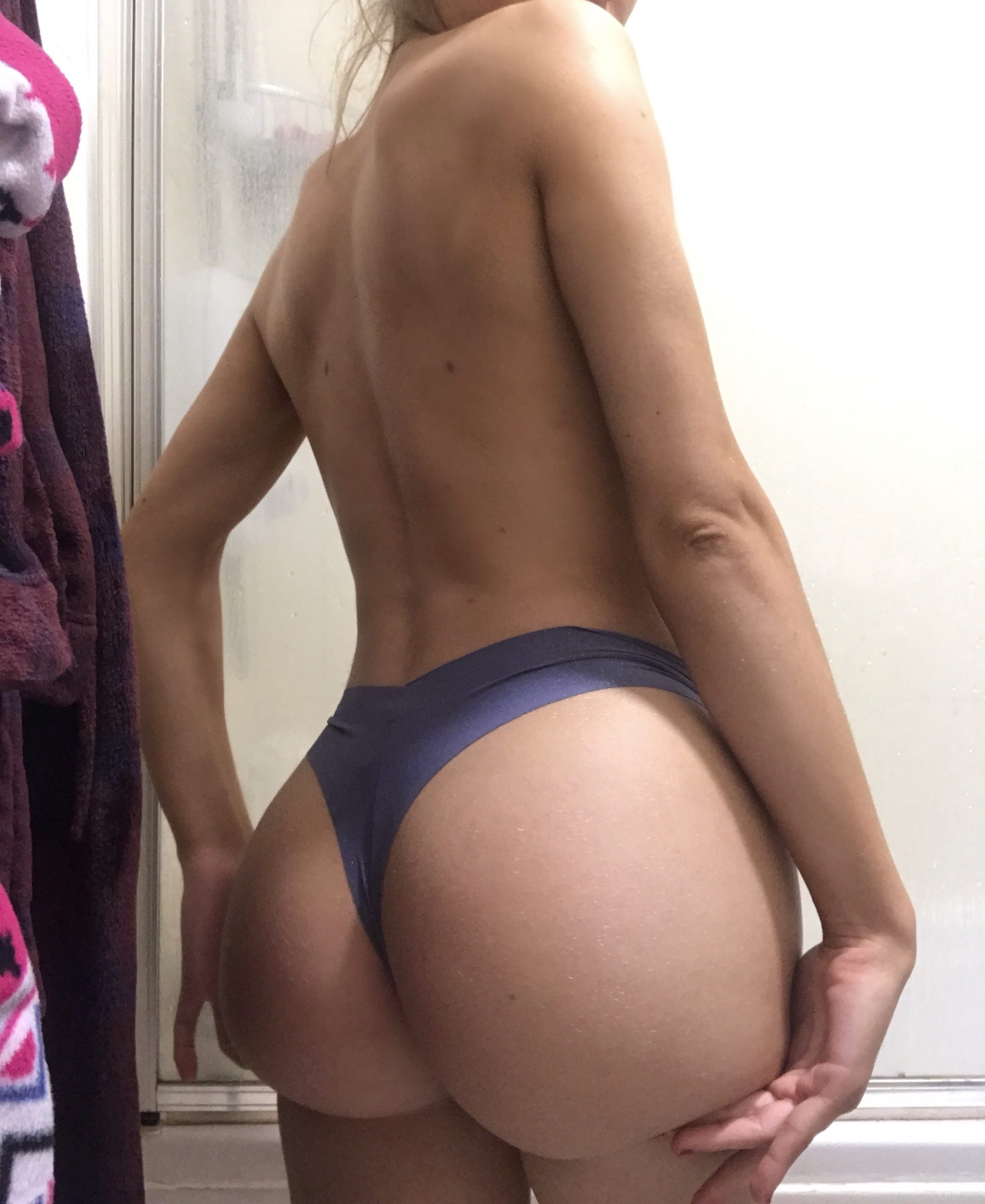 Julia Holbanel Onlyfans Pictures